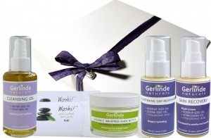 Gift Box with 4 trial sized products plus 2 Cotton Hot Cloths